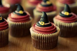 halloween-witch-cupcakes